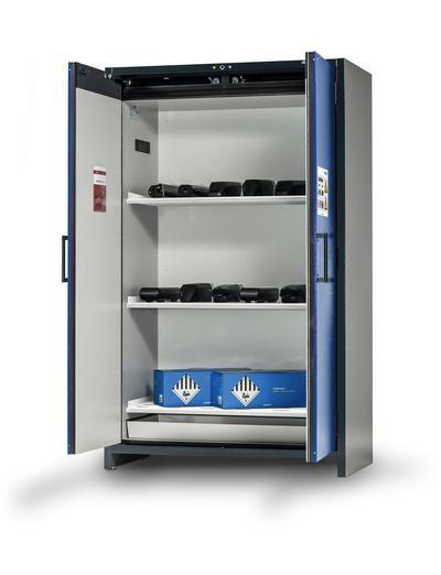 Die Fachböden sind bei allen Schränken ohne Ladefunktion höhenverstellbar. Korpusfarbe immer in anthrazitgrau (RAL 7016), Flügeltüren in enzianblau (RAL 5010)