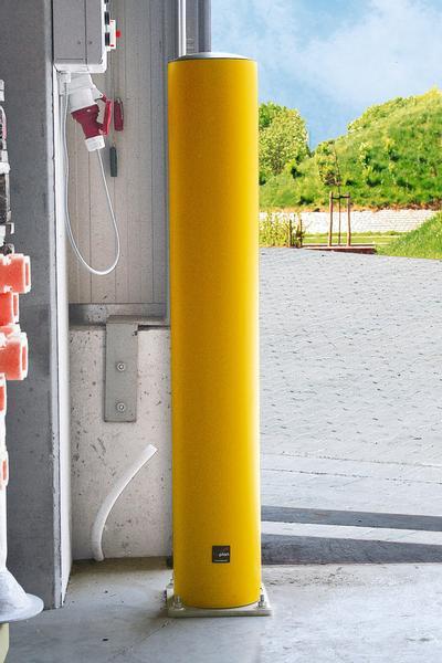 Im Innenbereich wird der gelbe Rammschutzpoller mittels einer Metallplatte (im Lieferumfang enthalten) am Boden befestigt.