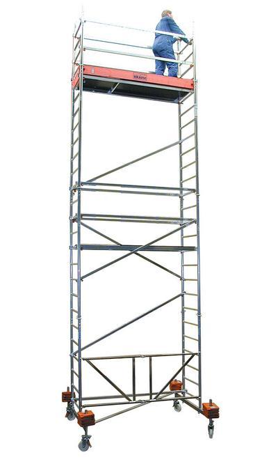 Faltgerüst aus Aluminium, bis. max. Arbeitshöhe 11,80 m.
