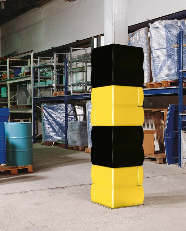 Ideal für hohe Lösungen. Die Pfeilerschutzprofile können problemlos übereinander gesteckt werden, bis zur gewünschten Höhe. Foto zeigt Beispiel mit 4 Sets, 2 x schwarz, 2 x weiß