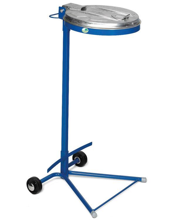 Das zusätzliche Stützblech verhindert beim Transport ein Blockieren der Räder durch den Abfallsack.